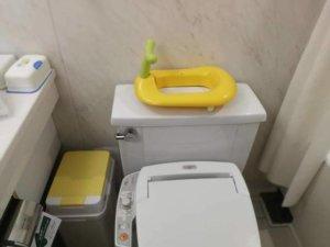オリエンタルホテル東京ベイのべビーズスイートの部屋の様子